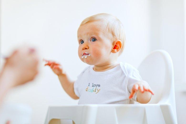 Das Baby sollte selbst entscheiden dürfen wie viel es essen möchte.