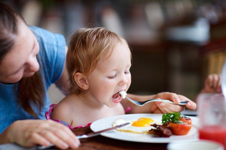 Kinder lieben es neue Sachen und Geschmäcker auszuprobieren.