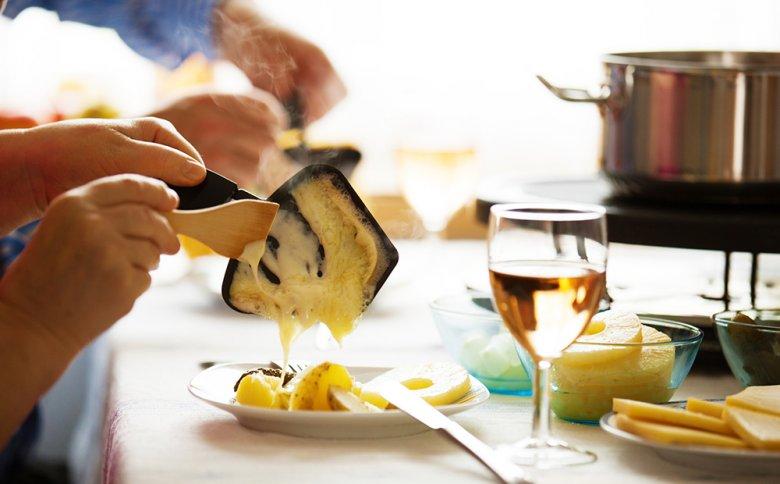 Auch Süßes, wie beispielsweise Ananasstücke können zu Raclette gereicht werden.