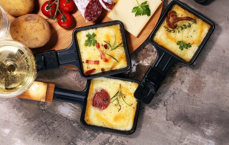Ob mit Freunden oder Familie - Raclette ist immer beliebt.