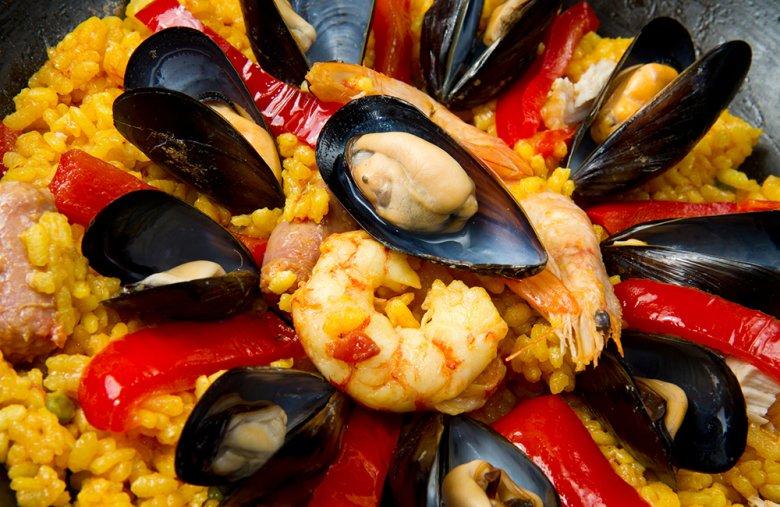 Egal, ob mit Meeresfrüchten, Fleisch oder Gemüse - Paella schmeckt immer.