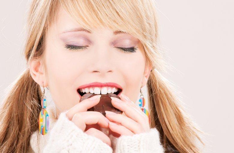 Süßigkeiten in kleinen Mengen sind erlaubt, dabei sollte der Genuss im Vordergrund stehen.