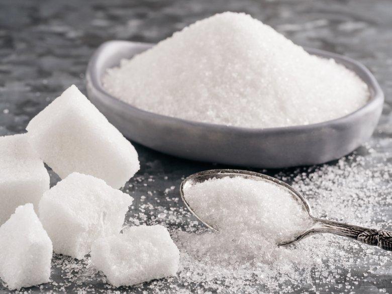 Laut WHO sollte man nicht mehr als 25 Gramm Zucker pro Tag zu sich nehmen.