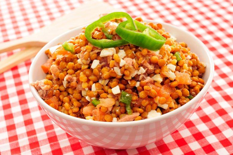 Gesunde und nahrhafte Gerichte können mit Linsen zubereitet werden.