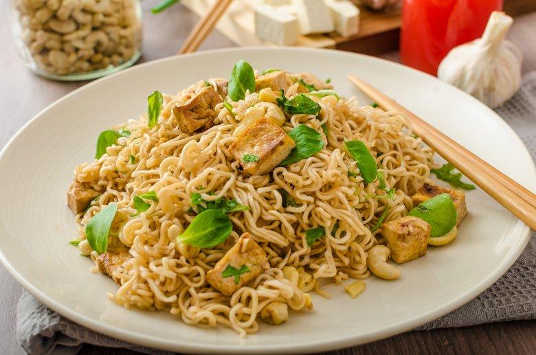 Vor allem in der asiatischen Küche wird Tofu für viele Gerichte verwendet.