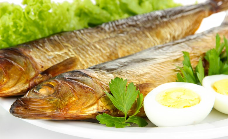 Sowohl Süßwasser- als auch Salzwasserfische eignen sich zu Räuchern.