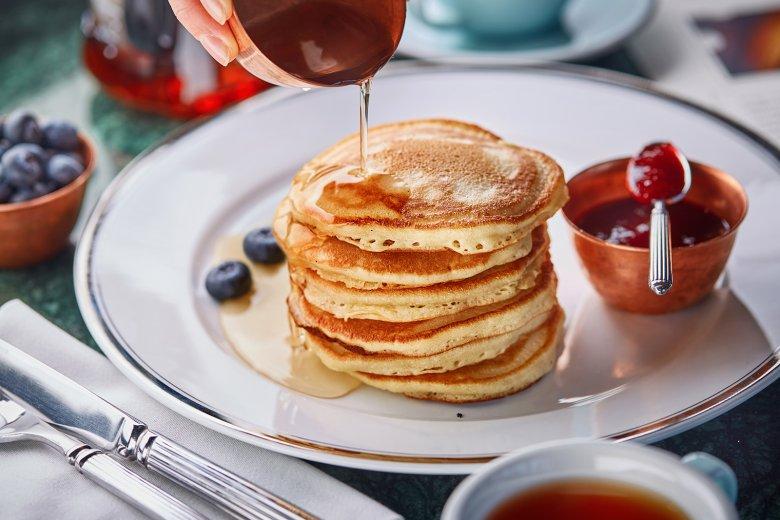 Pancakes werden gerne zum Frühstück serviert.