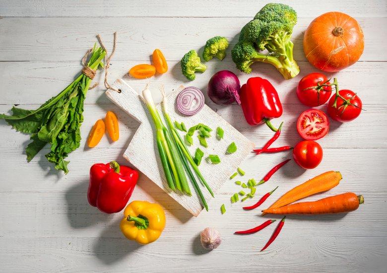 Frisches Gemüse versorgt den Körper mit wichtigen Nährstoffen und sorgt für ein starkes Immunsystem.