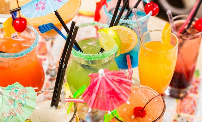 Cocktails werden heutzutage auf der ganzen Welt gerne getrunken.
