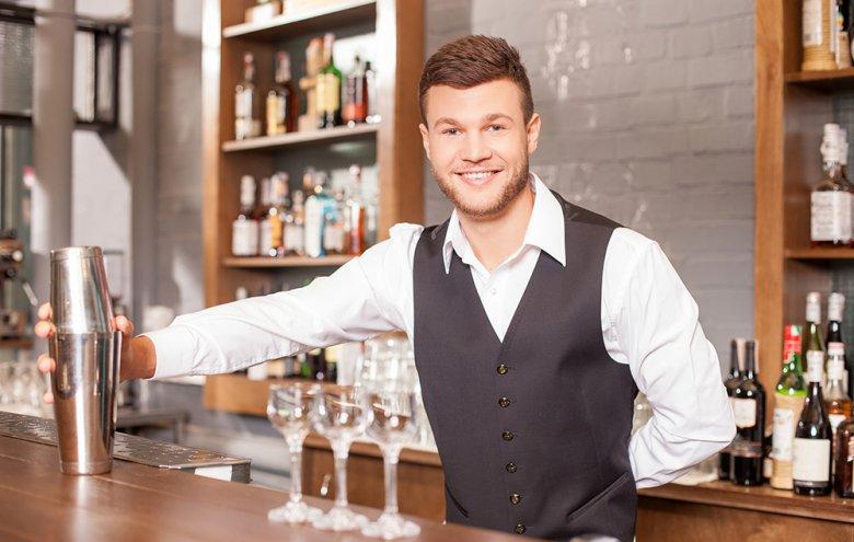 Für die Zubereitung der meisten Cocktails ist ein Cocktail Shaker ein Muss.