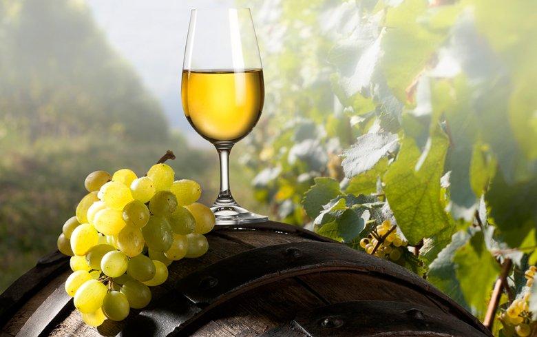 Die Hessische Bergstraße ist mit rund 431 ha ein kleines aber feines, hauptsächlich Weißwein-Weinbaugebiet.