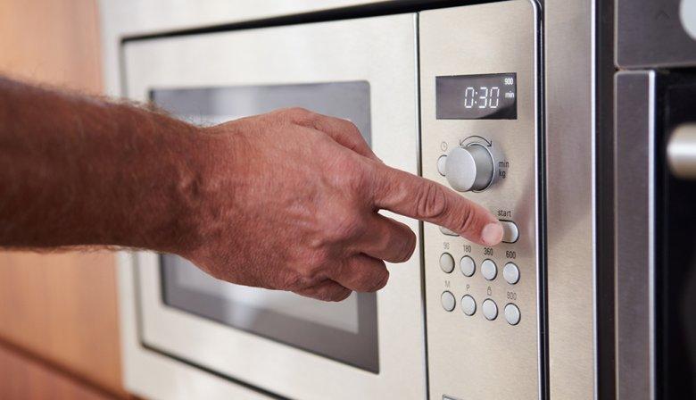 Wichtig beim Kochen mit der Mikrowelle ist, dass die richtige Einstellung gewählt wird.