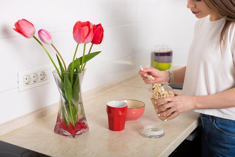 Das Zubereiten von Müsli soll am Morgen so einfach und schnell wie möglich erfolgen.