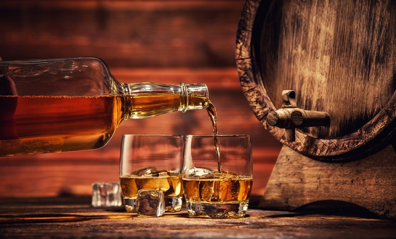 Whiskey muss im Holzfass reifen.