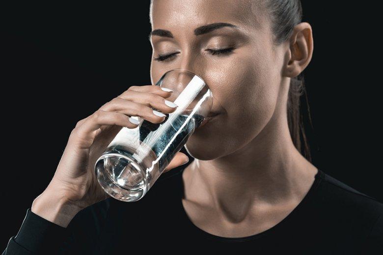 Am besten für den Körper sind Wasser und ungesüßte Tees oder Fruchtsäfte.