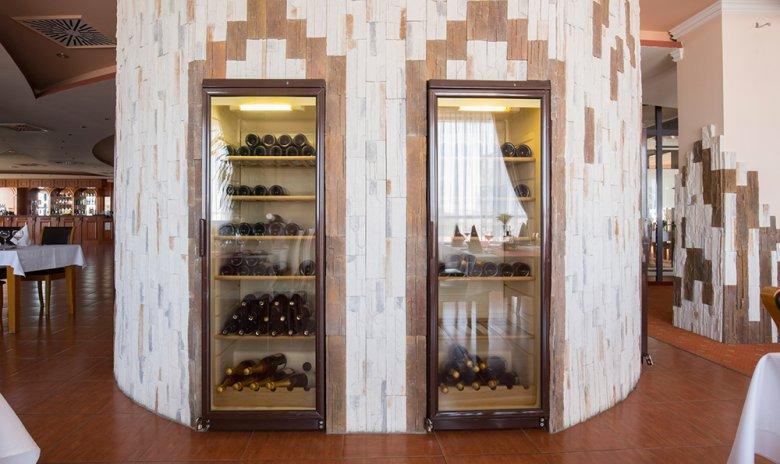 Weinklimaschränke sind in verschiedenen Größen erhältlich.
