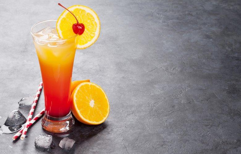 Der Tequila Sunrise zählt zu den beliebtesten Cocktails überhaupt.