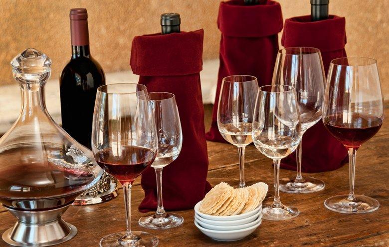 Vor der Weindegustation sollten einige Vorbereitungen getroffen werden.