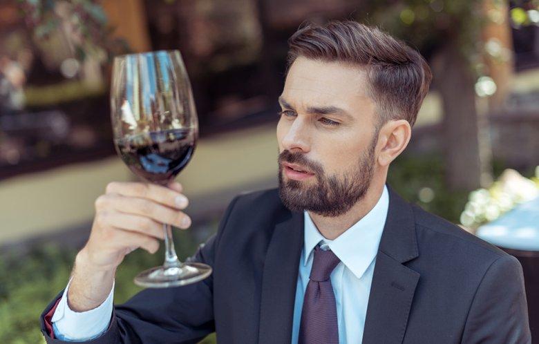 An der Farbe des Weines kann man dessen Qualität erkennen.