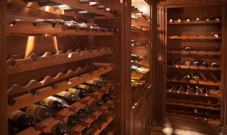 Bei der Lagerung von Wein gilt es einige wichtige Dinge zu beachten.