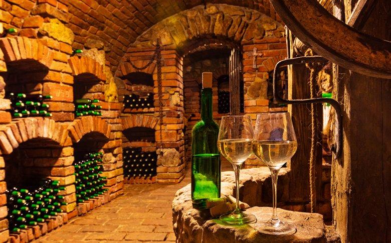 Ein Weinkeller ist ein guter Ort, um Wein optimal zu lagern.