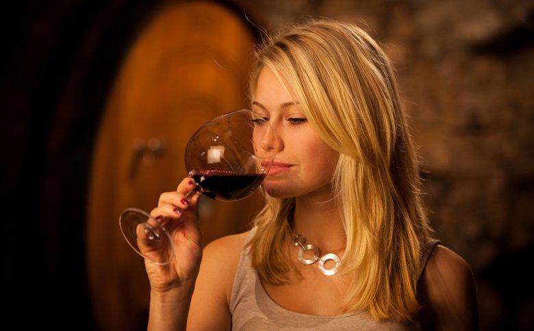 Damit Wein länger genießbar bleibt, sollte dieser richtig gelagert werden.