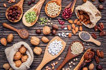 Nüsse und Hülsenfrüchte