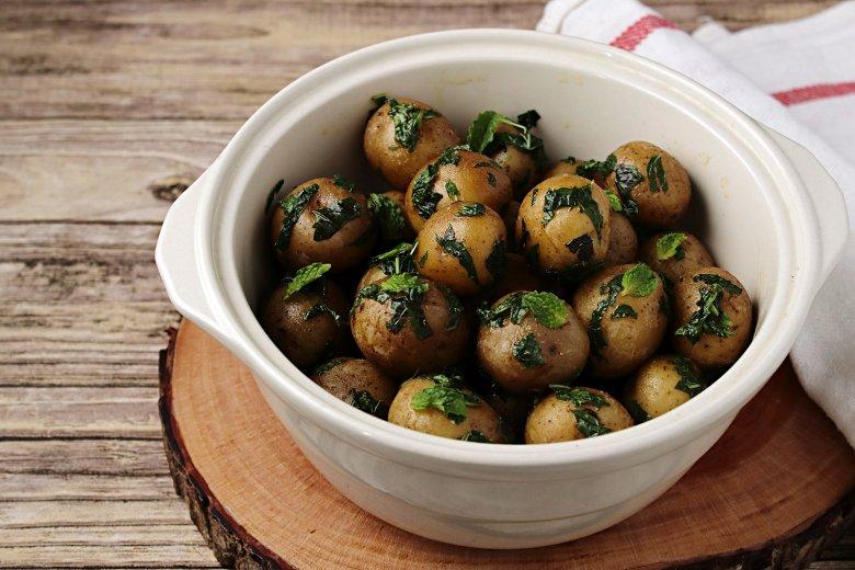 Kartoffeln mit Minze