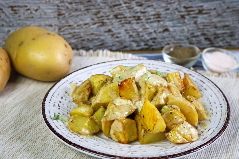 Gebackener Kartoffelsalat mit veganem Dressing