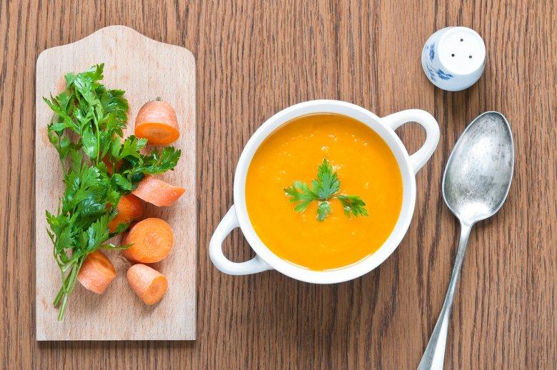 Möhrensuppe mit Orangensaft