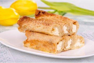 Süße Pfannkuchen mit Schmand