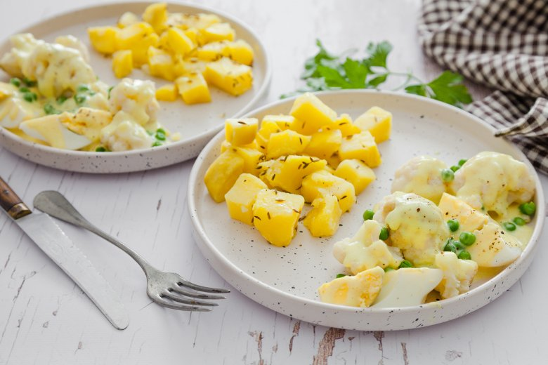 Blumenkohl in Currysauce zu Kartoffeln