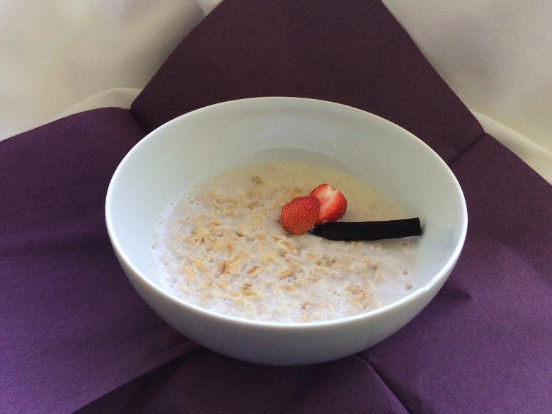 Einfaches Porridge mit Vanille