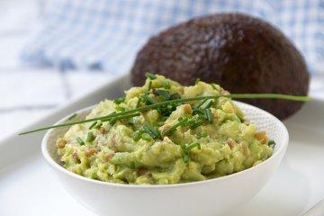 Veganer Linsenaufstrich mit Avocado