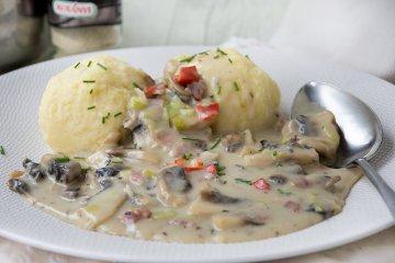 Kartoffelklöße mit Gemüse