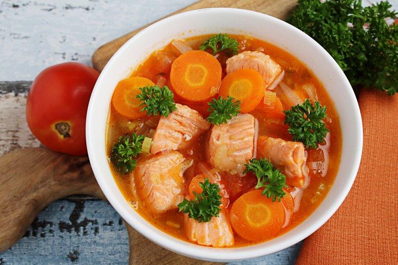 Fischsuppe mit Lachs