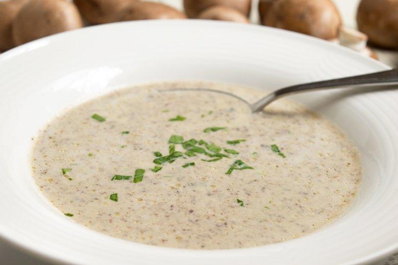 Vegane Suppe mit Champignons