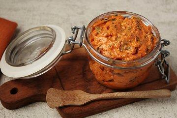 Tomatenbutter mit Feta