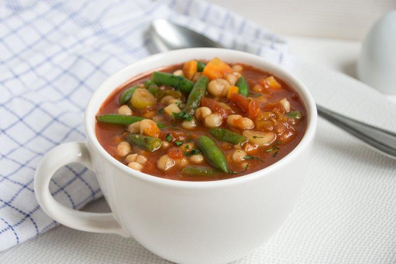 Bohnensuppe mit Tomaten