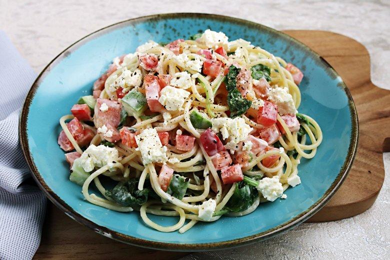 Spaghettisalat mit Paprika