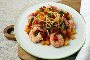 Spaghettisalat mit Curry