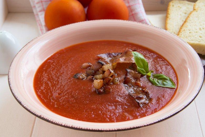 Tomatensuppe mit Speck