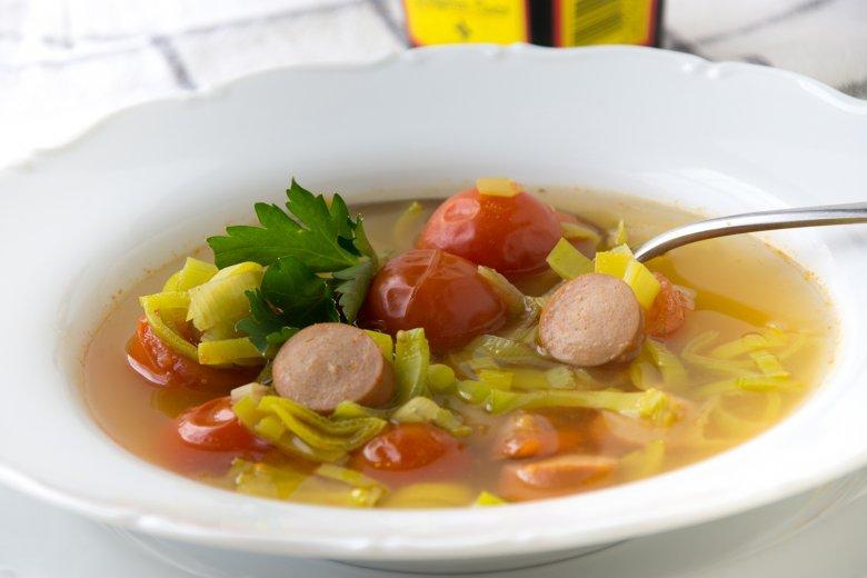 Mikrowellen-Würstchensuppe