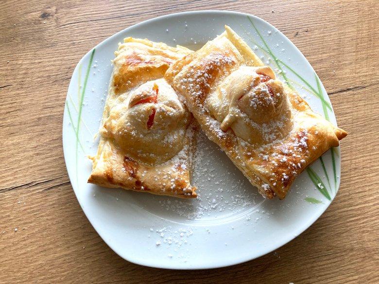 Blätterteigtaschen mit Pudding