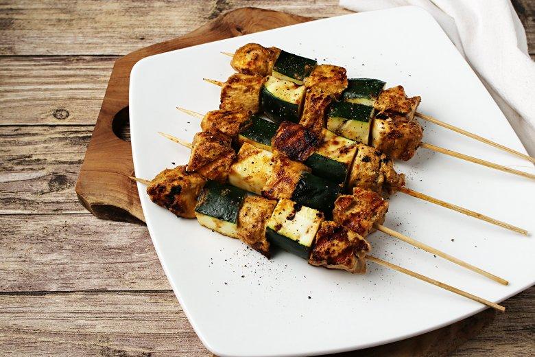 Hühnerspieße vom Grill mit Thai-Marinade