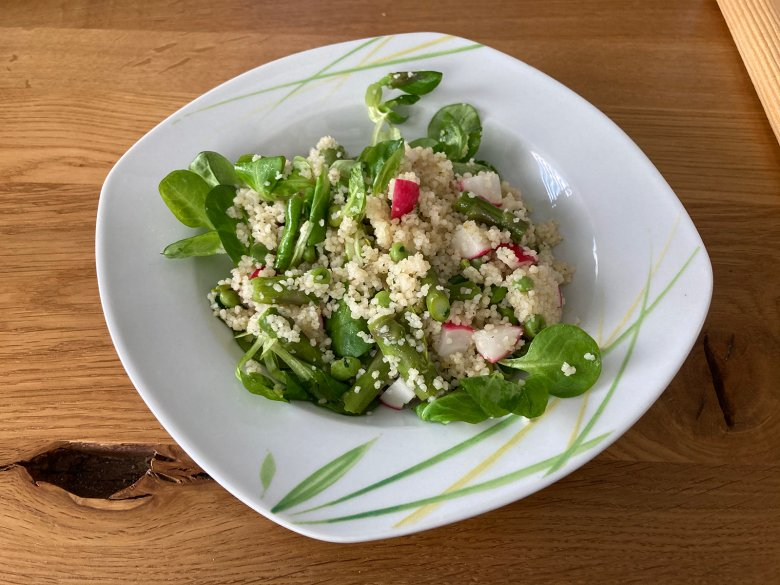 Couscous-Salat mit Spargel