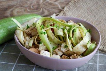 Schneller Zucchini-Salat
