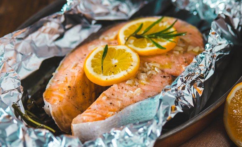 Gegrillter Fisch mit Rosmarin