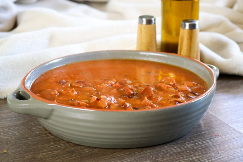 Tomatensoße mit Schinkenwurst