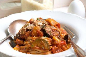 Tomatensoße mit Gemüse